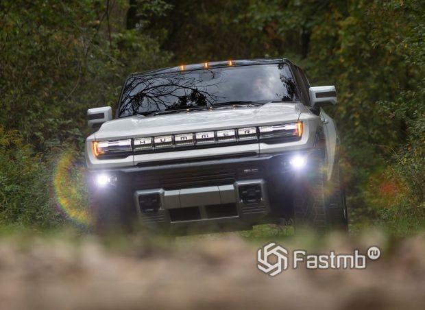 GMC Hummer EV 2021, светодиодные противотуманки