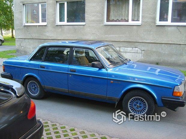 Volvo 243
