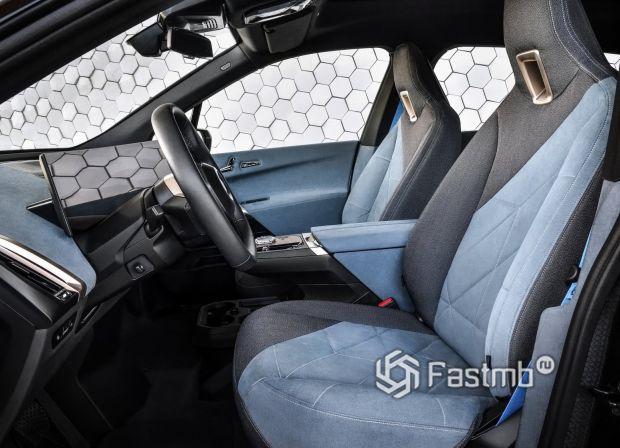BMW iX 2021, передние сиденья