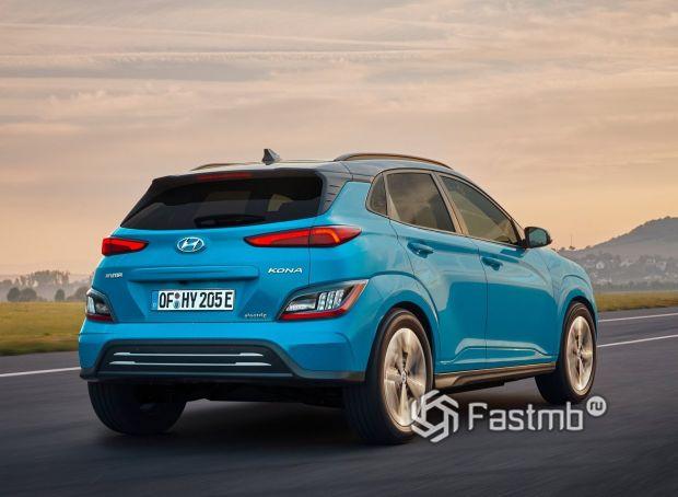 Hyundai Kona Electric 2021, вид сзади