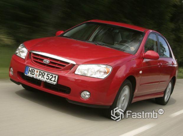 Kia Cerato 2004, передняя оптика