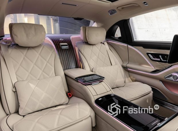 Mercedes-Maybach S-Class 2021, второй ряд сидений