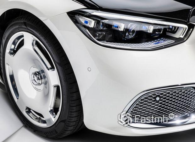 Mercedes-Maybach S-Class 2021, передняя оптика