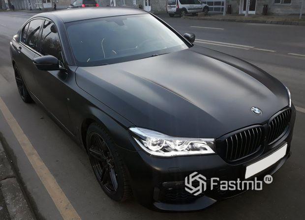 BMW 740d, матовая виниловая пленка, оклейка всего кузова