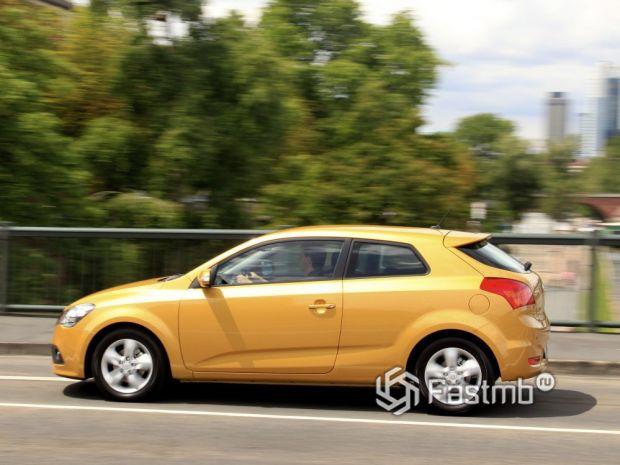 Kia ProCeed 2010 хэтчбек 3 двери рестайлинг, люк топливного бака