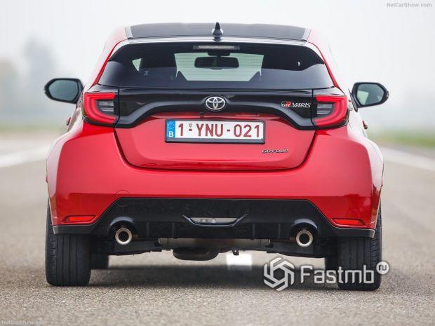 Toyota GR Yaris 2021, вид сзади