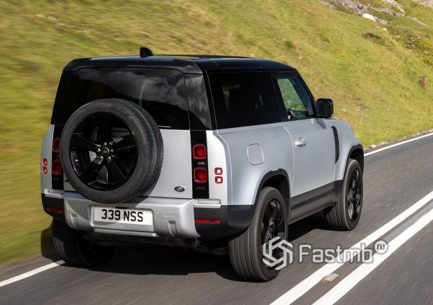 Land Rover Defender 90 2021, задние стопы