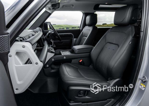 Land Rover Defender 90 2021, первый ряд сидений