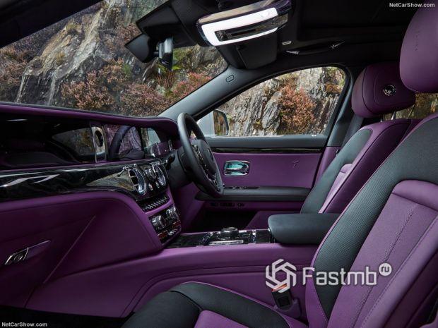 Салон Rolls-Royce Ghost 2021, передние сидения