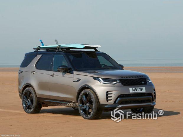 Land Rover Discovery 2021, вид спереди и сбоку справа