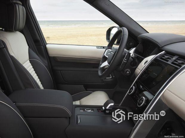 Салон Land Rover Discovery 2021, передние сидения