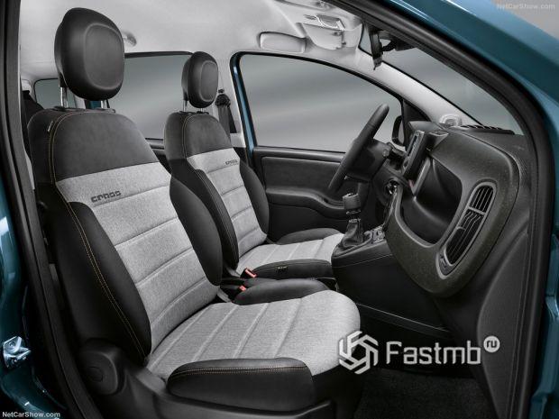 Салон Fiat Panda 2021, передние сидения
