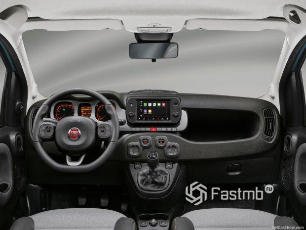 Салон Fiat Panda 2021, руль и панель управления