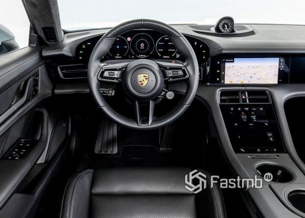 Porsche Taycan 2021, передняя панель
