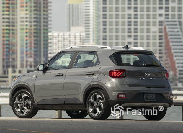 Hyundai Venue 2020, вид сзади