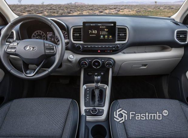Hyundai Venue 2020, передняя панель