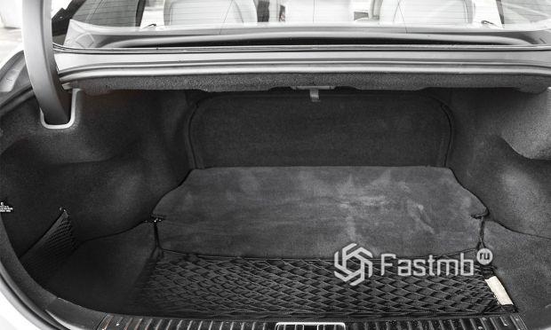 Kia K900 2013 для США, багажное отделение