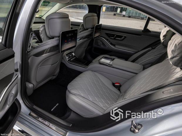 Салон Mercedes-Benz S-Class 2021, задние кресла