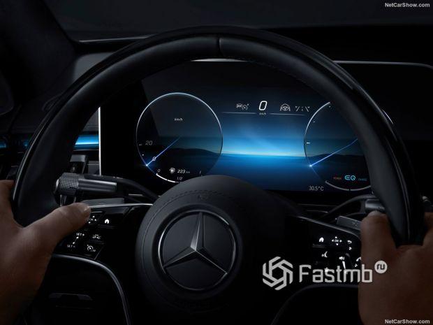 Салон Mercedes-Benz S-Class 2021, панель управления