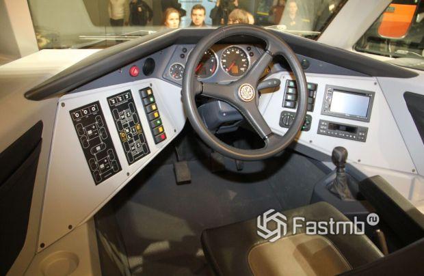 Shaman 8x8 2020, рулевое колесо