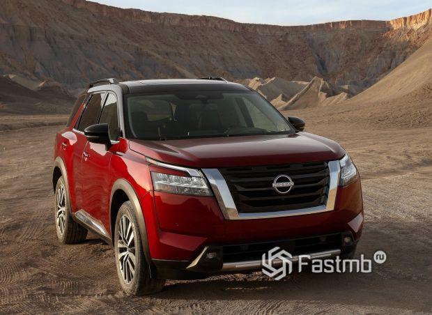 Nissan Pathfinder 2022, вид спереди