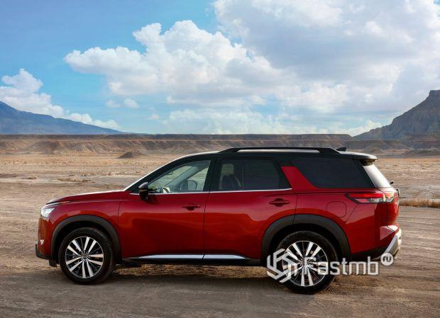 Nissan Pathfinder 2022, вид сбоку
