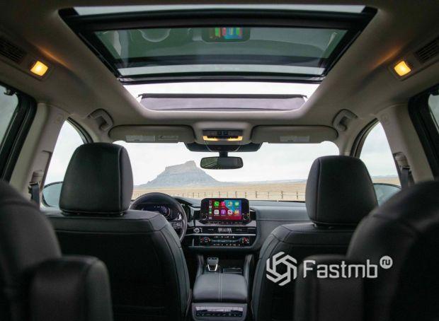 Nissan Pathfinder 2022, панорамная крыша