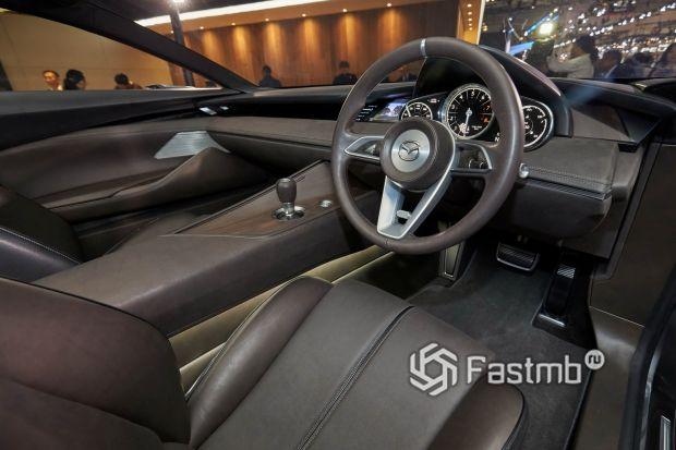 Mazda Vision Coupe 2017, водительское место