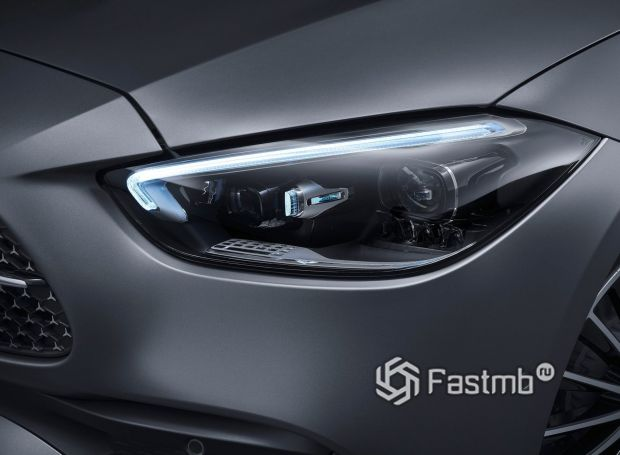 Mercedes-Benz C-Class 2022, LED дневные ходовые огни