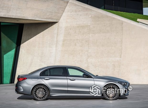 Mercedes-Benz C-Class 2021, вид сбоку