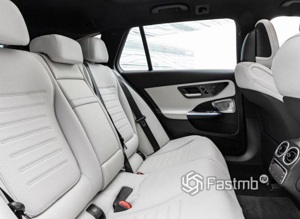 Mercedes-Benz C-Class 2022 универсал, второй ряд сидений