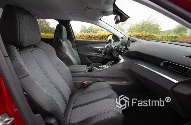 Peugeot 5008 2021, тканевая обшивка