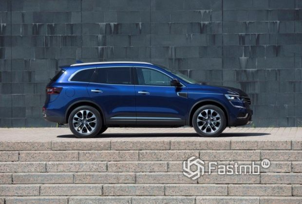 Renault Koleos 2017, люк топливного бака