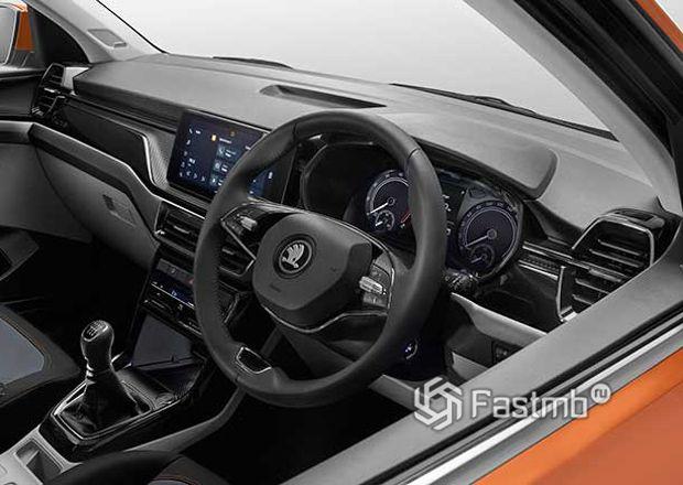 Skoda Kushaq 2022, панель приборов и рулевое колесо