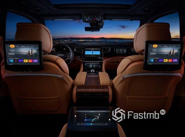 Jeep Grand Wagoneer 2022, дисплеи на спинках сидений