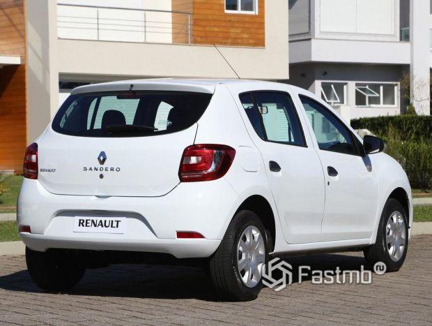 Renault Sandero 2012, вид сзади