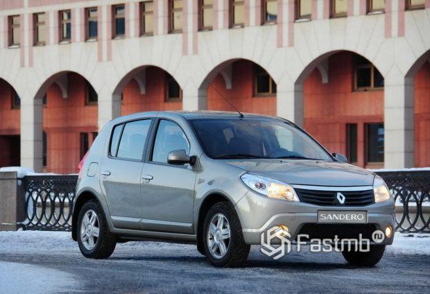 Renault Sandero 2009, люк топливного бака