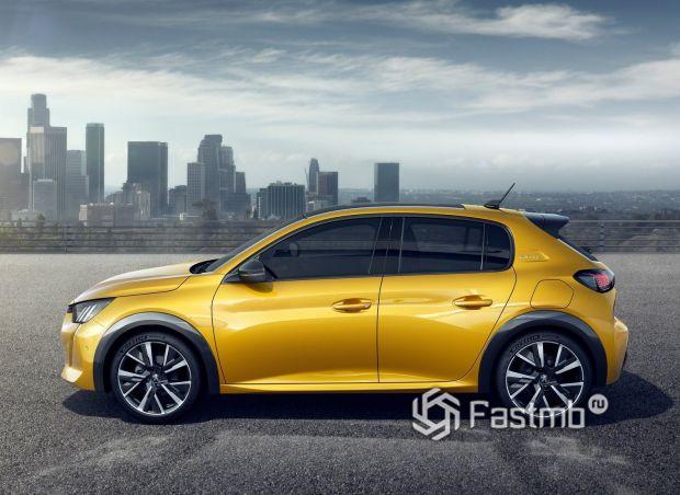 Peugeot 208 2021, вид сбоку