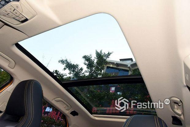 FAW Bestune T77 2021, панорамная крыша