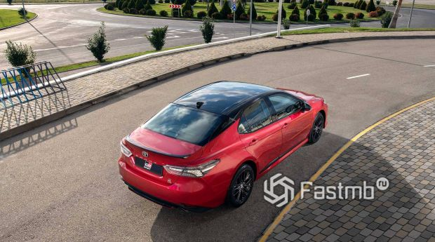 Toyota Camry GR Sport 2021 рестайлинг, крыша