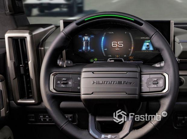 GMC Hummer EV SUV 2024, панель приборов