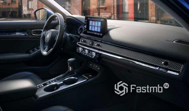 Honda Civic Sedan 2022, вставка на передней панели