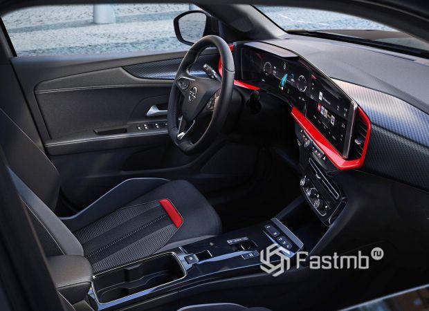 Opel Mokka 2021, интерьер