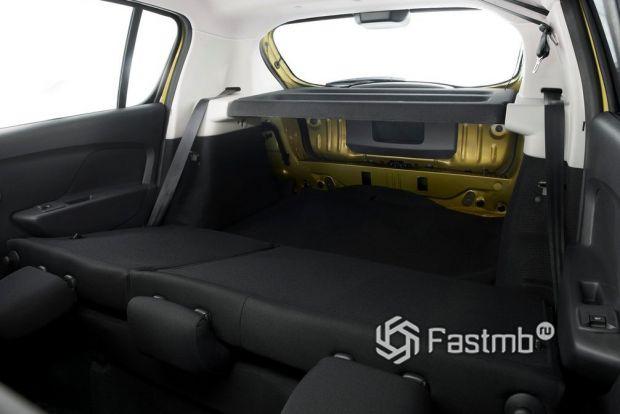 Renault Sandero Stepway 2013, багажное отделение