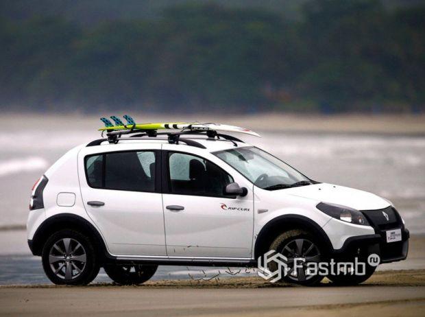 Renault Sandero Stepway 2010, люк топливного бака