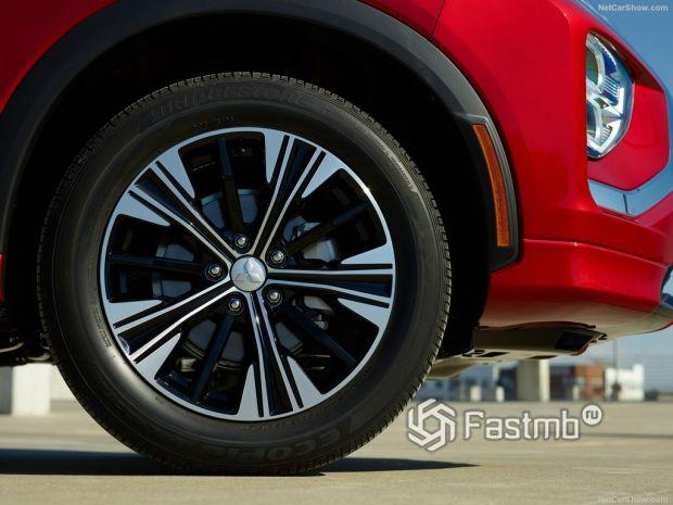 Mitsubishi Eclipse Cross 2022, переднее правое колесо