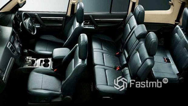 Mitsubishi Pajero Final Edition, сиденья внедорожника