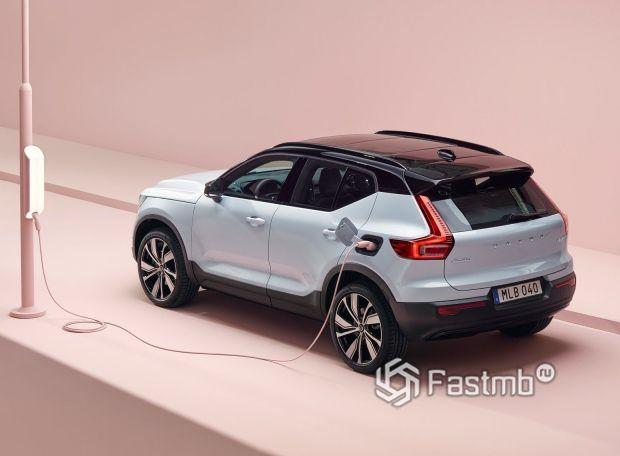 Volvo XC40 Recharge 2022, люк для зарядки