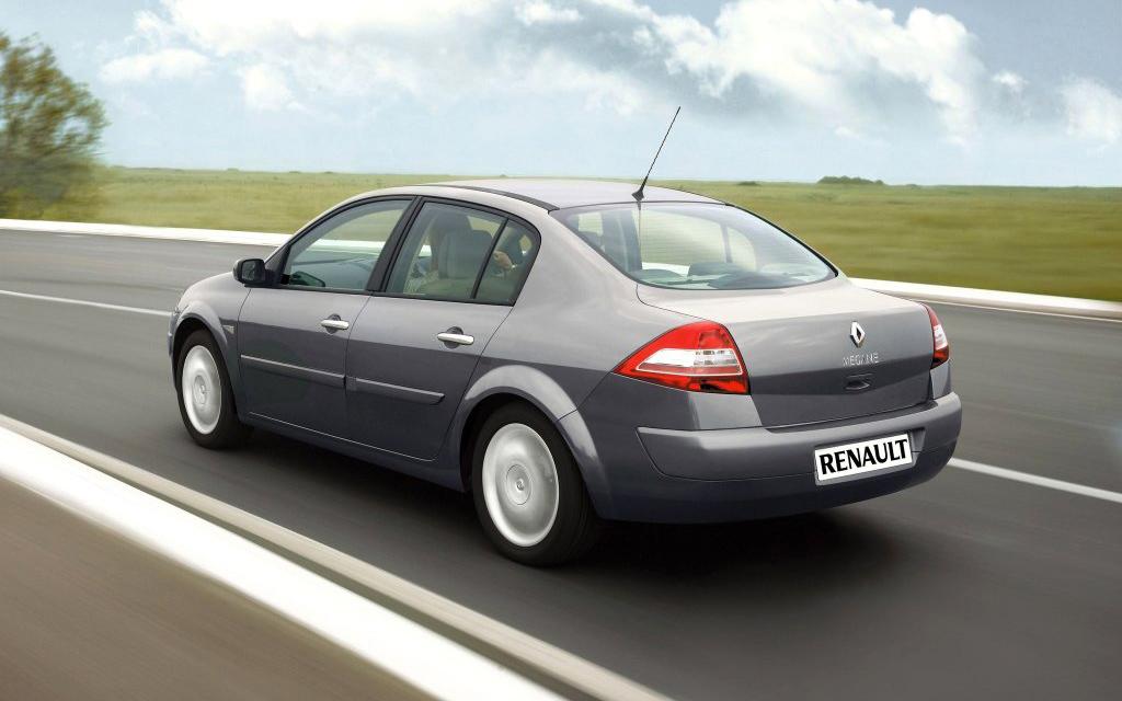 Renault Megane 2006, седан рестайлинг, вид сбоку