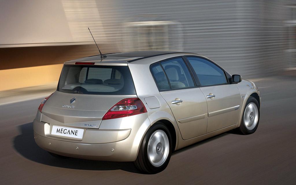 Renault Megane хэтчбек 2006 5дв рестайлинг, вид сзади
